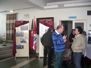 Exposição fotográfica sobre a inauguração do edifício-sede da Casa do Povo de Alvalade.